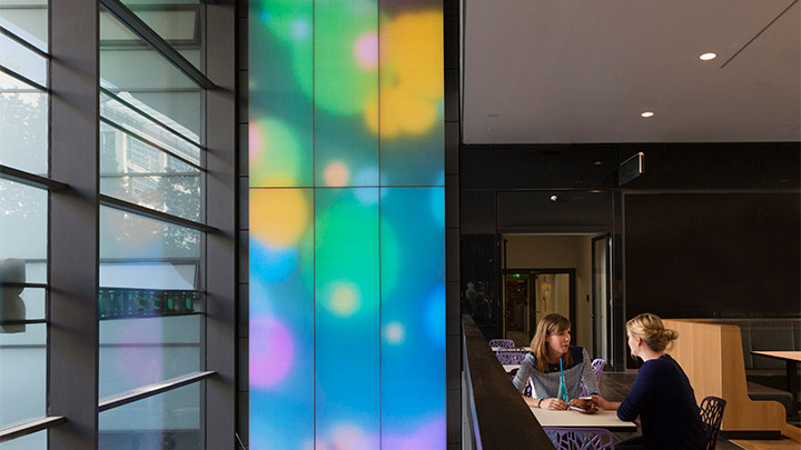 Mall in Dresden uses Luminous textile to attract their shoppers - retail sales conversion